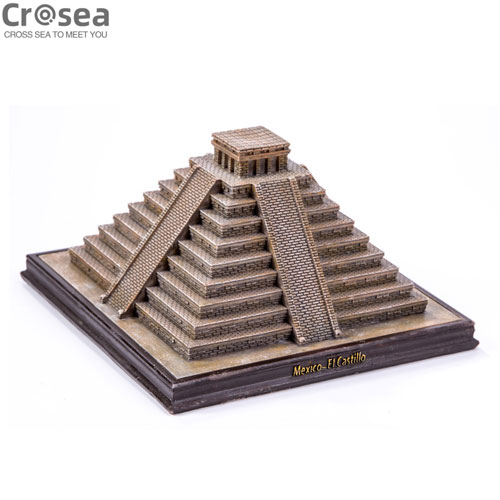 World famous miniature 3D building mexico mayan temple el castillo
